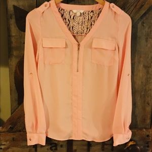 Beautiful! Candies blouse w/silver detailing.